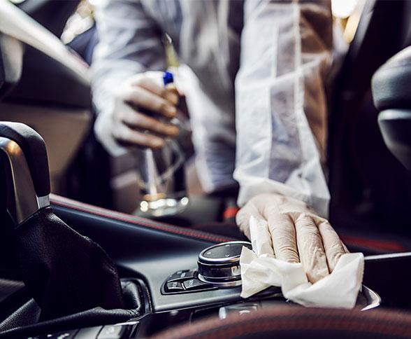 車の除菌中画像